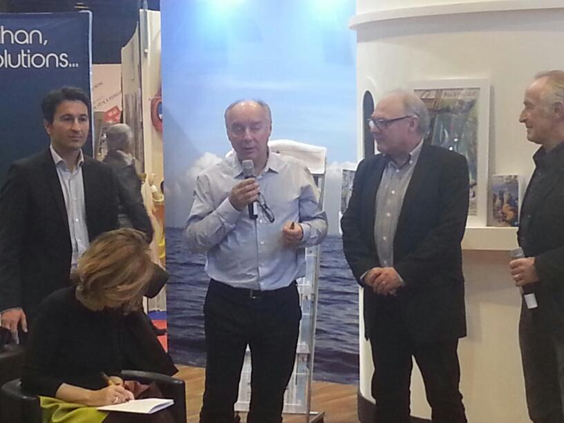 Philippe Mirkovic,Directeur Ouest-France Morbihan , Thierry Verneuil, PDG de BIC Sport,Jean-Paul Boucher, Directeur de Ouest France , Gérard Fusil, Organisateur.